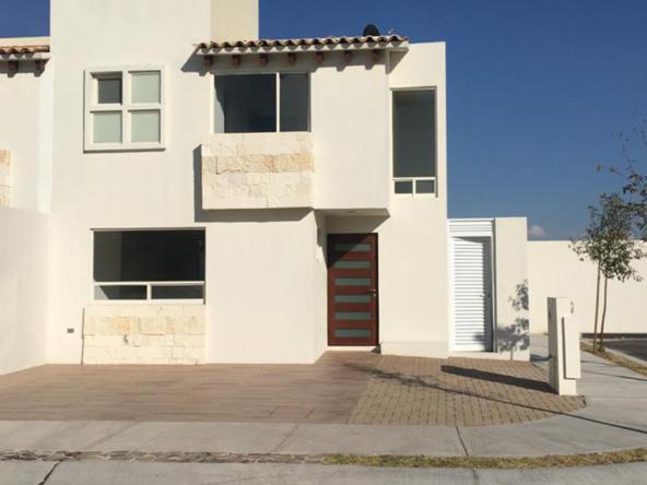 fachada casa en renta